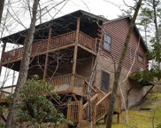 2360 Shady Creek Way, Sevierville image